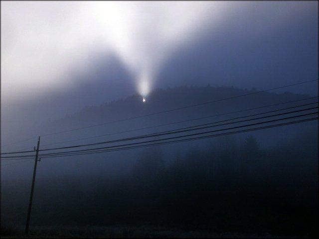 Słup świetlny w Pieninach - listopad 2013